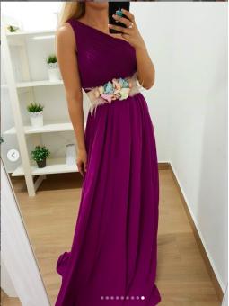 Vestido asimétrico morado