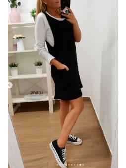 Vestido pichi negro + camiseta