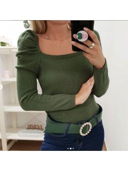 Suéter verde manga abullonada