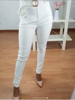 Pantalon Blanco +cinturón...