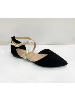 Zapato negro detalles...