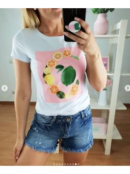 Camiseta fondo rosa...