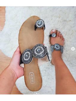 Sandalia negra cristales...