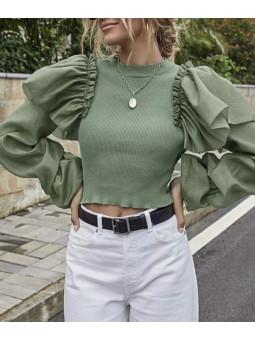 Suéter verde volantes...