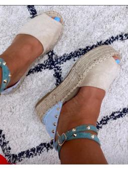 Sandalia bicolor beige y...