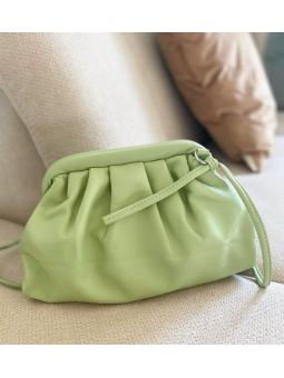 Bolso verde claro ovalado