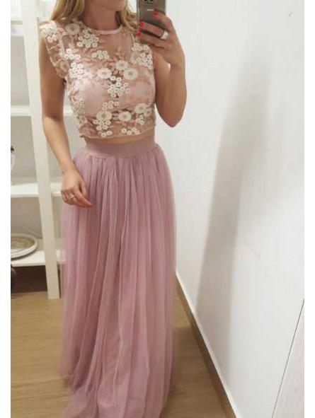 Top encaje rosa // Falda tul rosa