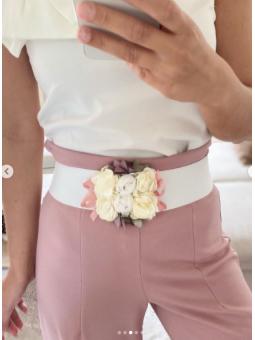 Cinturón goma blanco flores...