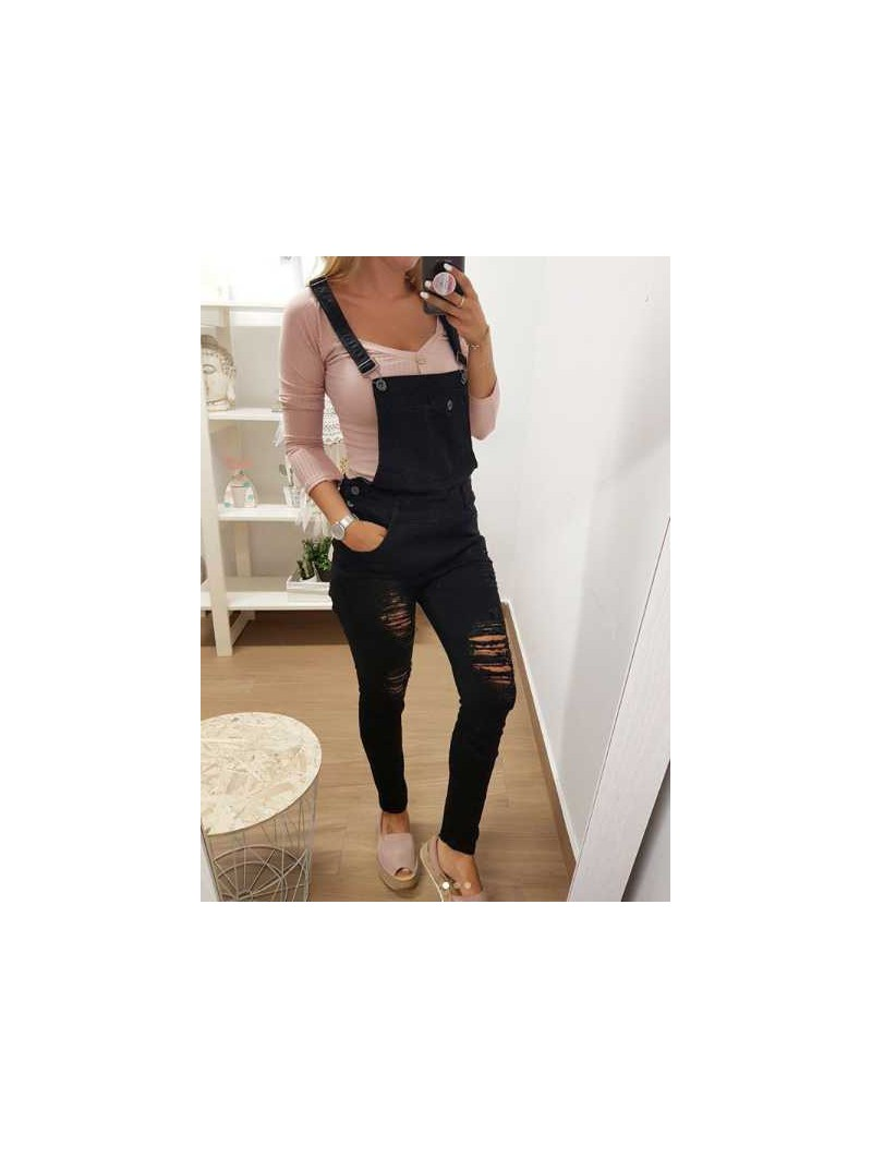 Peto pantalón negro // Camiseta rosa botones