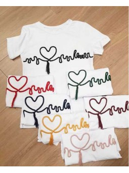 Camiseta bordada corazón