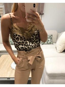 Lencera leopardo encaje marrón// Pantalón beige lazada