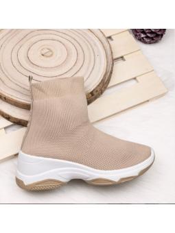 Zapatilla beige calcetín...