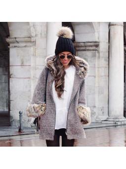 Abrigo gris claro pelito...