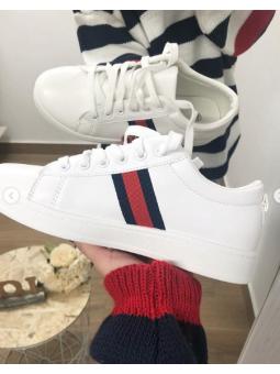 Zapatillas blancas franjas...