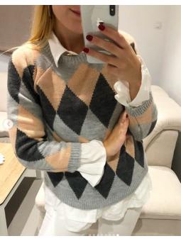 Suéter rosa y gris rombos