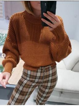 Suéter marrón manga ancha