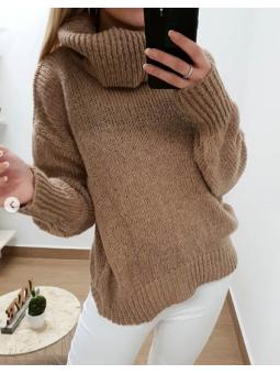 Suéter cuello alto camel