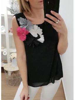 Blusa negra flores...