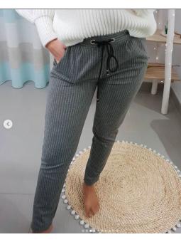 Pantalones grises rayas...