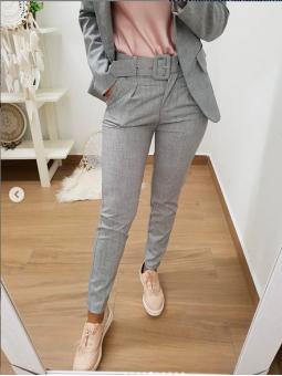 Pantalón gris jaspeado...