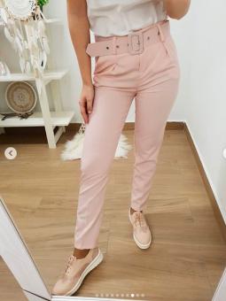 Pantalón rosa cinturón