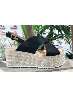 Sandalias negras cruzadas