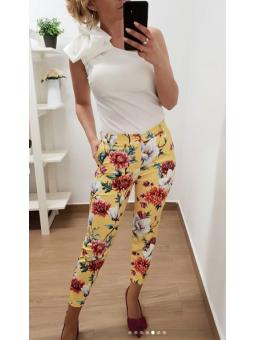 Pantalones amarillos flores