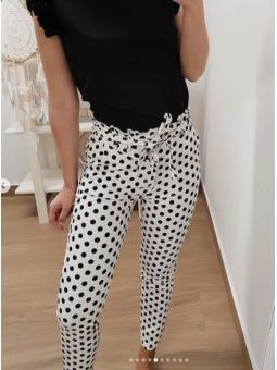 Pantalones blancos lunares