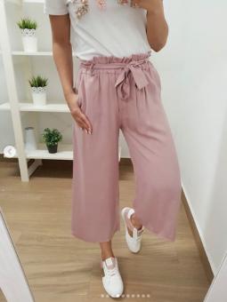 Pantalones rosa palazzo...